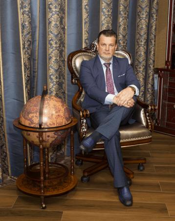 Андрей Ховратов