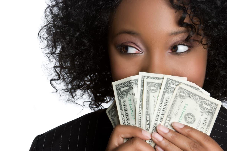 Давать ли деньги в долг друзьям и родным