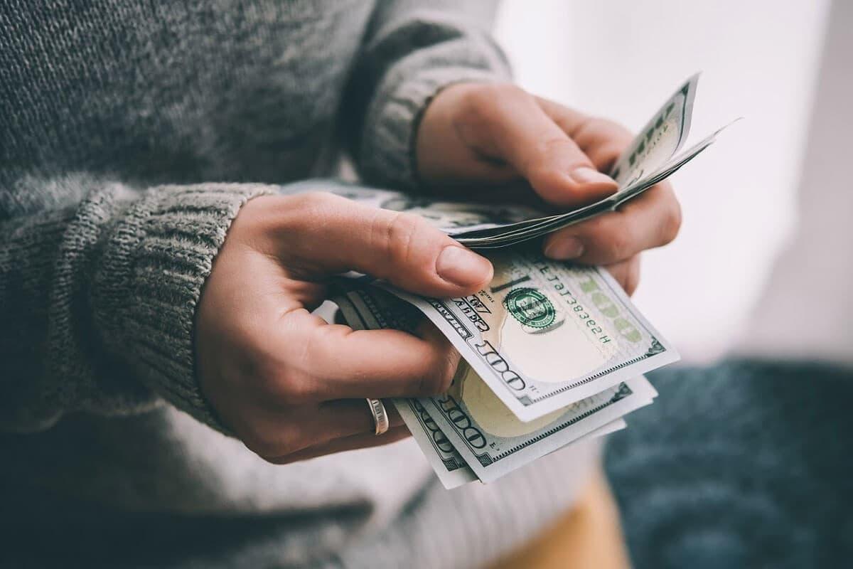 Где можно срочно взять денег прямо сейчас