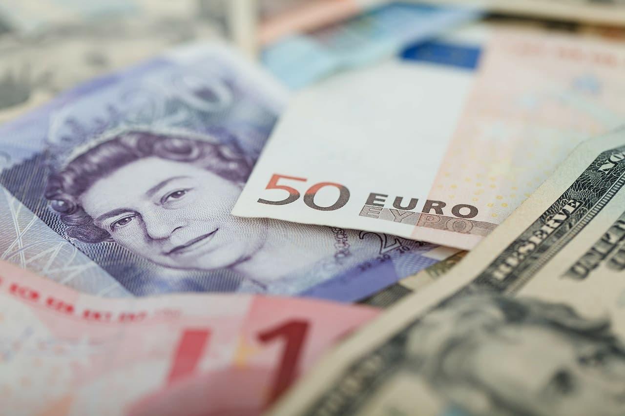 Не пора ли купить евро на фоне укрепления к доллару