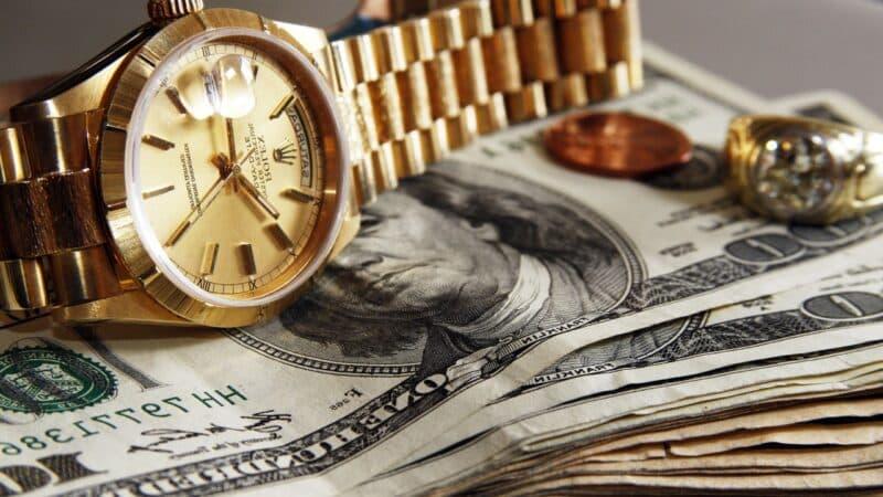 10 привычек богатого человека в действии