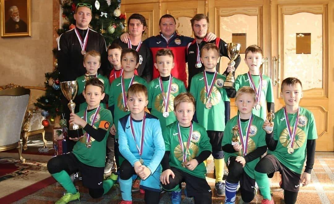 Наша команда юных футболистов, подающих надежды
