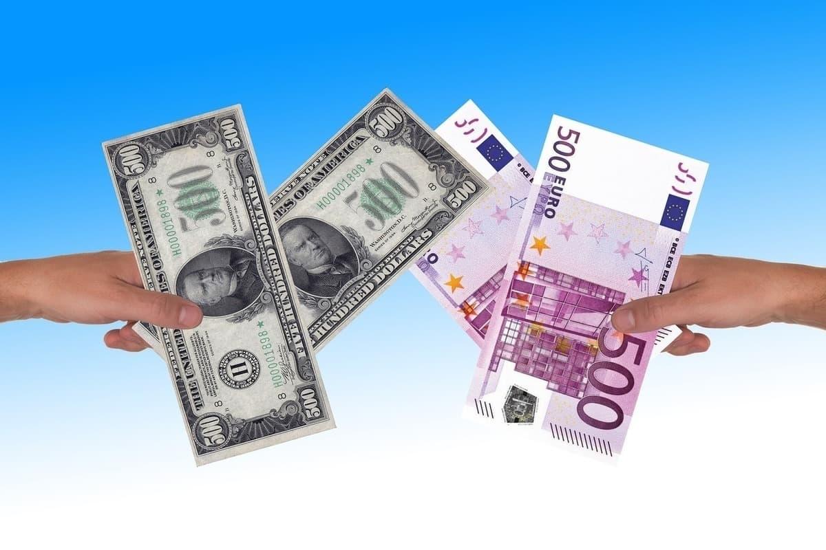 Что будет с долларом и евро в 2021 году?