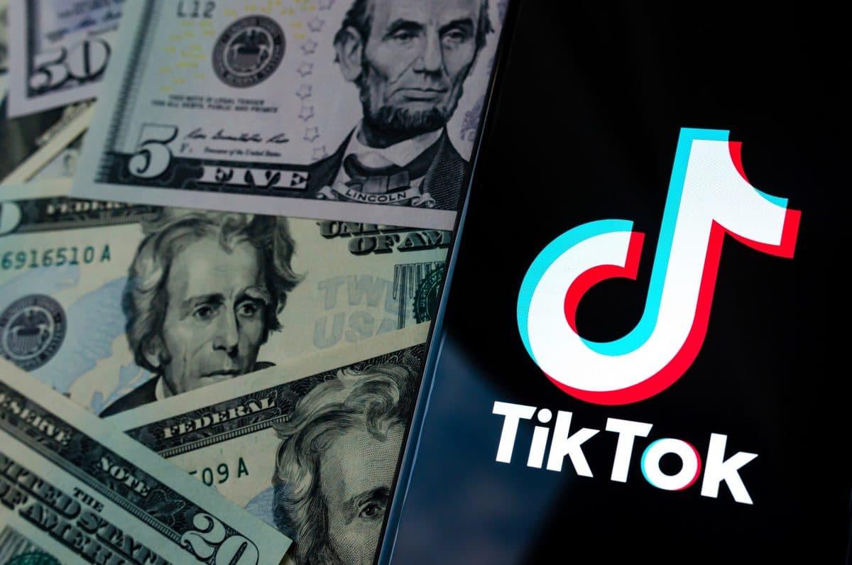 Как заработать деньги в ТикТок