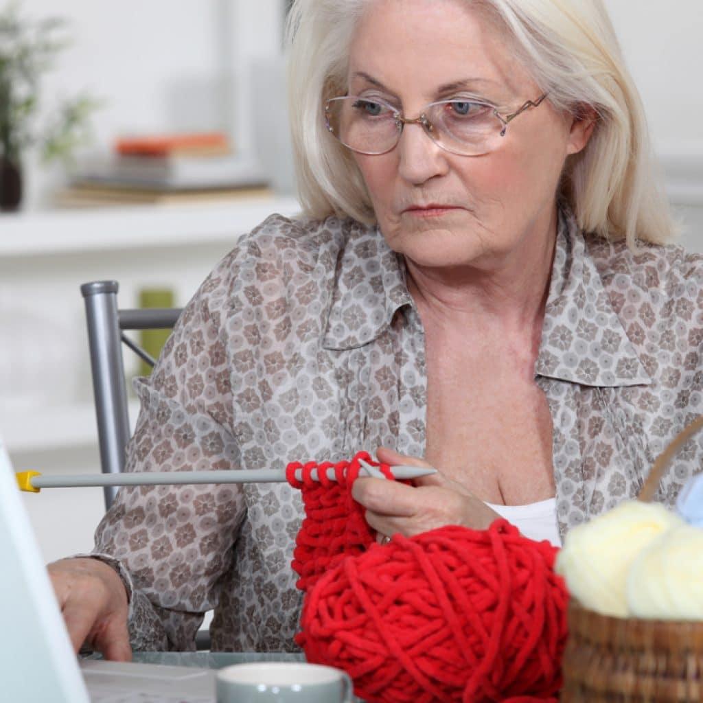 Какой бизнес открыть пенсионеру дома